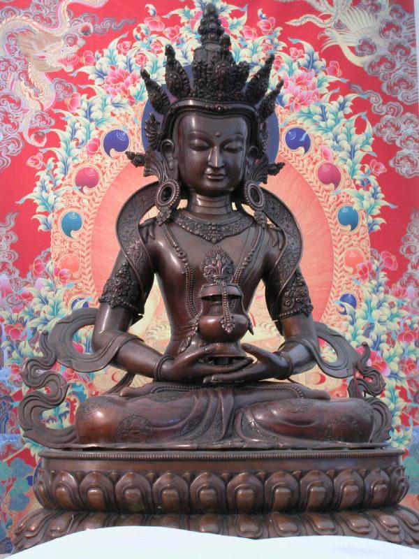 Статуя Будды Долгой жизни